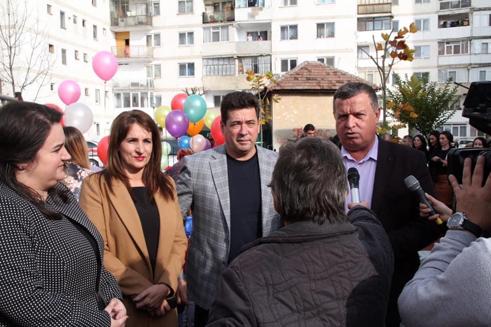 Inaugurarea unui nou loc de joacă – Mircia Gutău